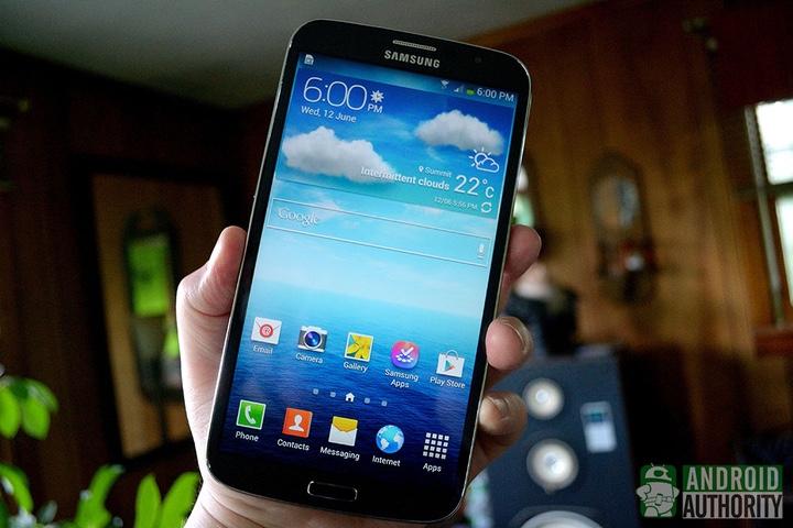 """Những smartphone kích thước """"khủng"""" nhất từng được làm ra từ trước đến nay - 1"""