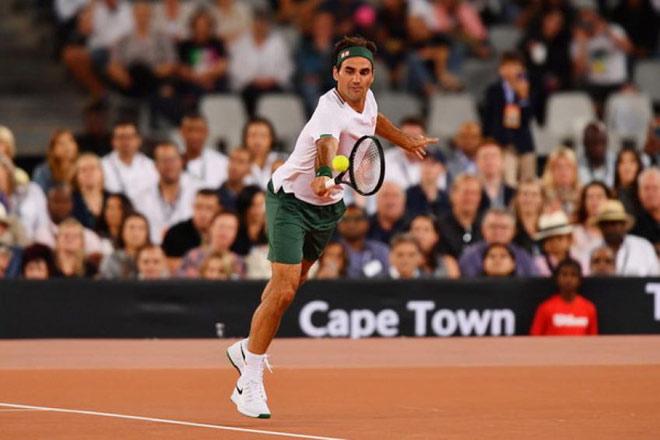 """Tin thể thao HOT 30/9: Federer dùng """"bảo kiếm"""" mới, nóng lòng chờ tái xuất - 1"""