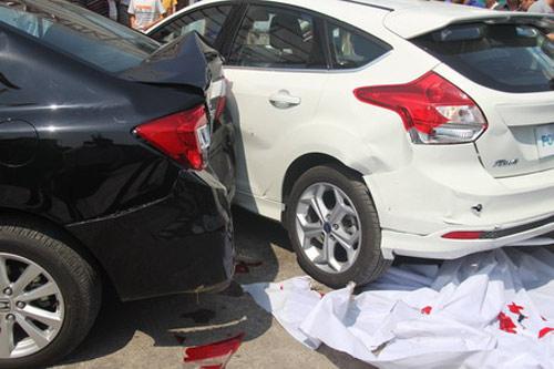 Gây tai nạn khi lái thử xe tại Vietnam Motor Show - 1