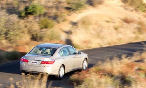 Honda Accord 2013: Mẫu sedan dân dụng - 1