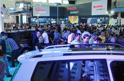 Vietnam Motor Show 2012: Chiêu kích cầu hoàn hảo - 1