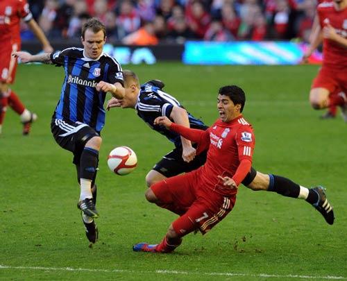 Liverpool - Stoke: Hiểm họa từ người cũ - 1