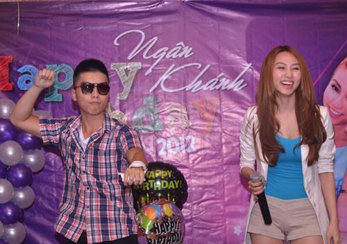 Ngân Khánh cười thả ga với Gangnam Style - 1