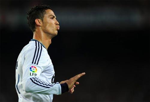 Cuộc chiến Barca-Real vẫn nóng với fan - 1