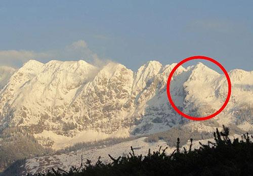 Ngọn núi mang khuôn mặt thiên tài Einstein - 1