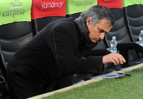 67 triệu VNĐ cho bút tích của Mourinho - 1