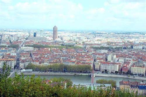 Thả bộ chiều Lyon - 1