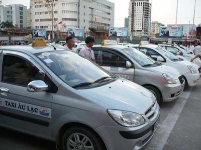 HN thêm 8.000 taxi: Giao thông rối loạn? - 1