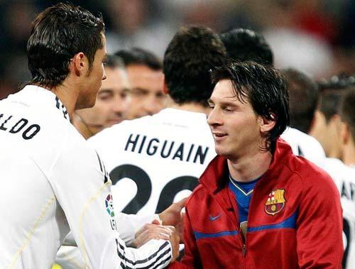 """Xavi """"hạ thấp"""" Mou–CR7, đề cao Messi - 1"""