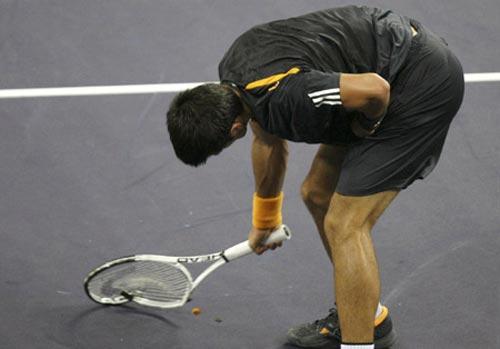 Djokovic đập nát vợt vì Murray - 1