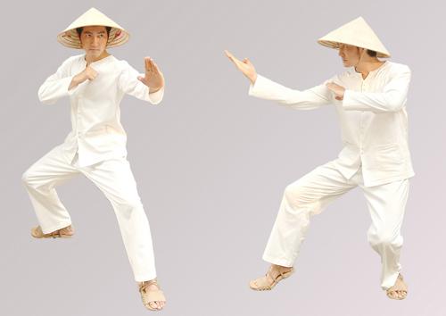 Nguyễn Phi Hùng đội nón lá đánh võ - 1