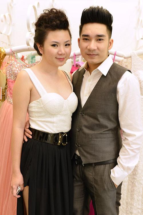 Quang Hà đưa bạn gái đi chọn váy cưới - 1