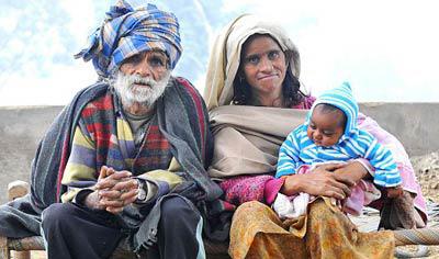 Ông bố già nhất thế giới sinh con ở tuổi 96 - 1