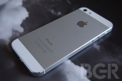 Foxconn từng khốn đốn với iPhone 5 - 1