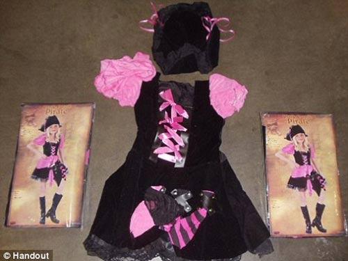 Đồ hóa trang Halloween TQ chứa chất độc hại - 1