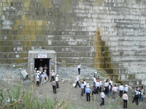 Động đất mạnh chưa từng có ở Quảng Nam - 1