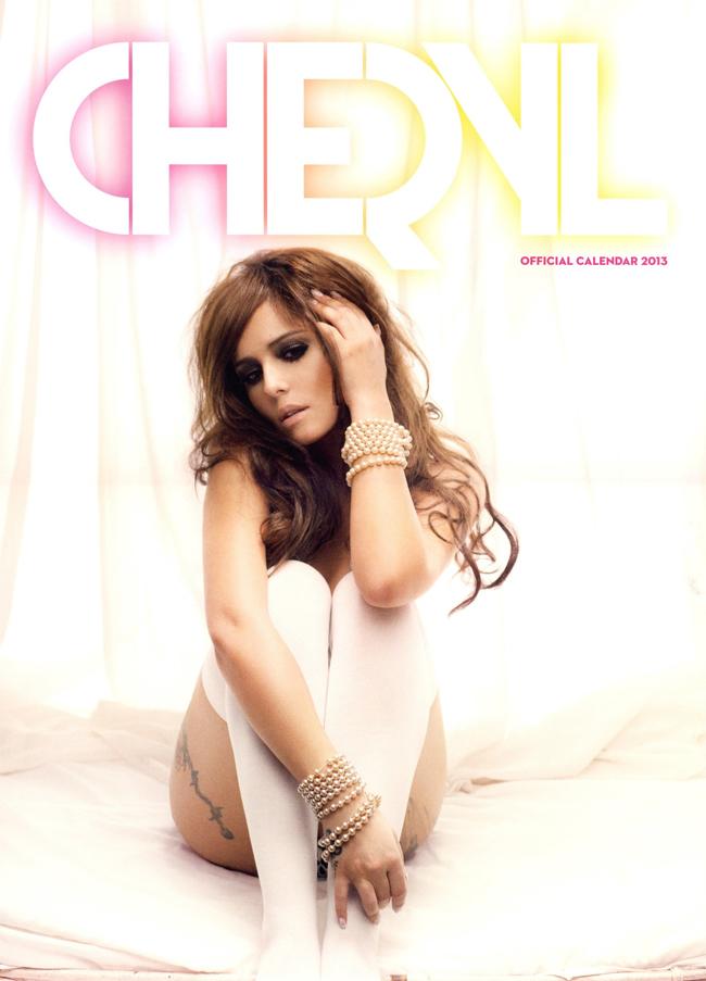 Cứ thành thông lệ, mỗi năm, Cheryl Cole đều đều đặn tung ra bộ ảnh lịch hút mắt độc giả