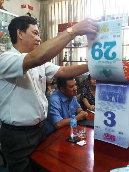 Sách lịch Hồ Chí Minh đầu tiên lập kỷ lục VN - 1