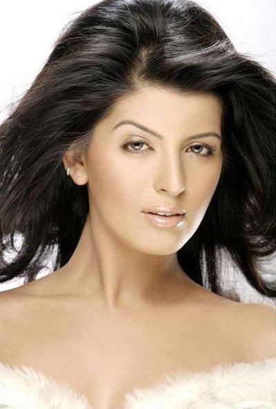Hoa hậu Ấn Độ bị sát hại - 1