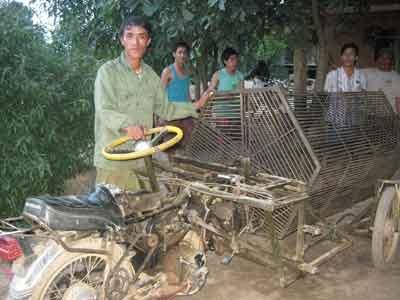 Anh nông dân bật điện bằng… sóng điện thoại - 1