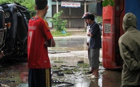 Thanh Hóa: TNGT nghiêm trọng trong mưa bão - 1