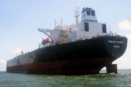 Những thuyền viên đói trên con tàu nát - 1