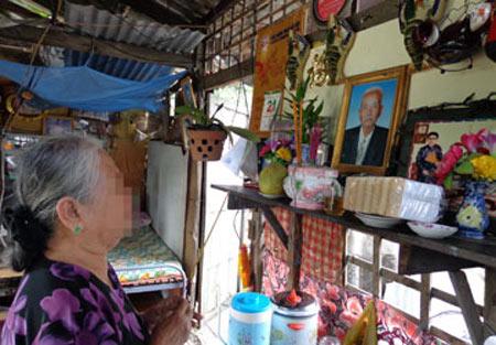 Mẹ 78 tuổi bị con đuổi ra đường - 1