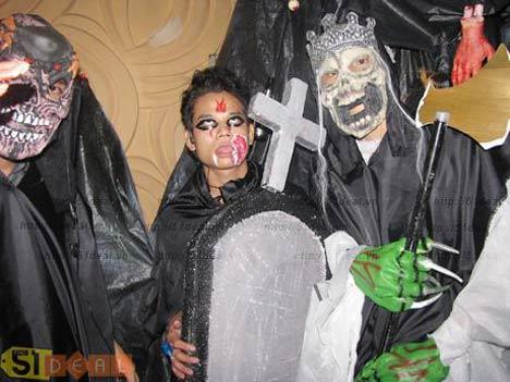 Chelsea dùng Halloween để dọa ma Quỷ đỏ - 1