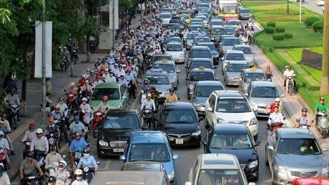 Thu phí đường bộ ôtô: Thiếu công bằng? - 1