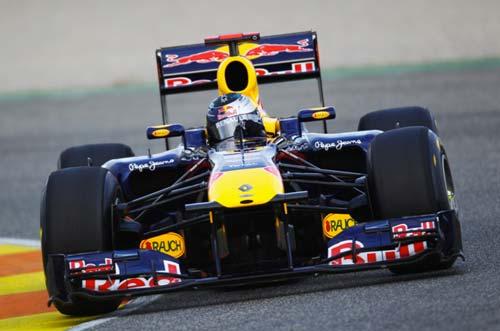 Vettel thận trọng trước cơ hội vô địch - 1