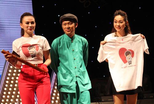 Hoài Linh, Minh Hằng lắc nhảy cực sung - 1