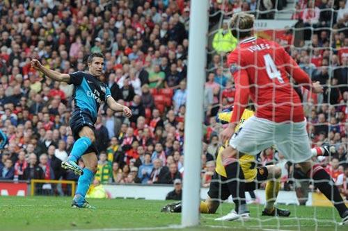 MU-Persie-Arsenal: Số phận trêu ngươi - 1