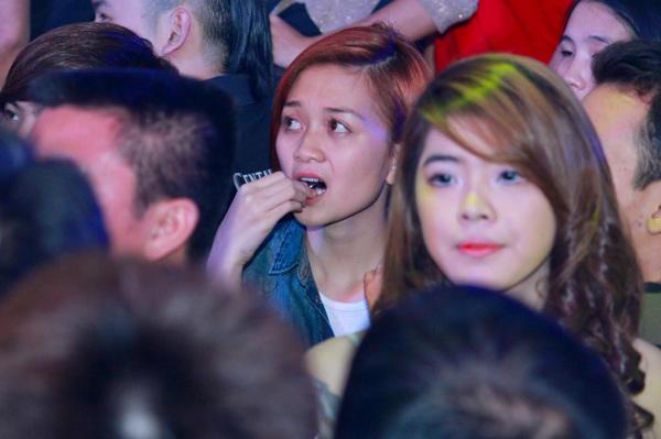 Phương Uyên, Thiều Bảo Trang đi bar - 1