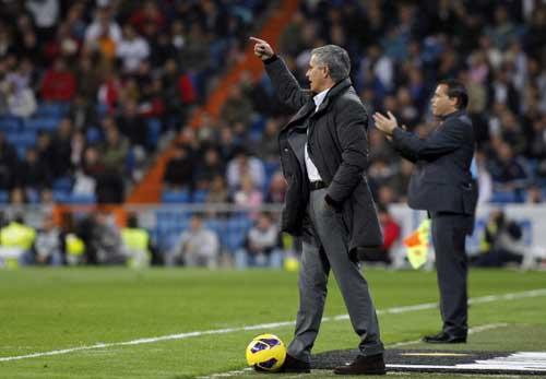 HOT: Casillas tính chuyện rời Real - 1
