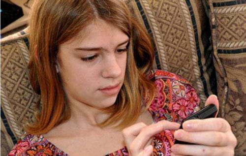 Smartphone tăng nguy cơ sex của trẻ vị thành niên - 1