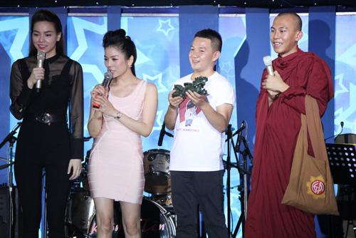 Hà Hồ nghẹn ngào vì WanBi Tuấn Anh - 1