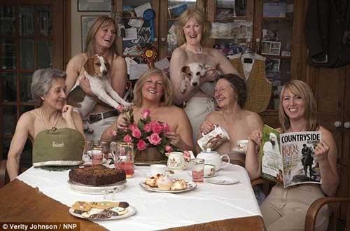 Chụp ảnh nude... làm từ thiện - 1