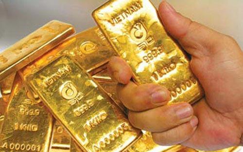 NHNN tính mua vàng tăng dự trữ ngoại hối - 1