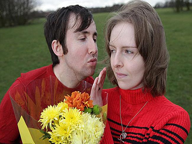 Chị Rachel Prince có một chứng bệnh kỳ lạ: người chị sẽ đỏ rực vì phát ban nếu có ai đó hôn chị.