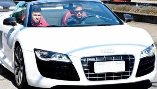 Neymar chi đậm cho Audi R8 Spyder - 1
