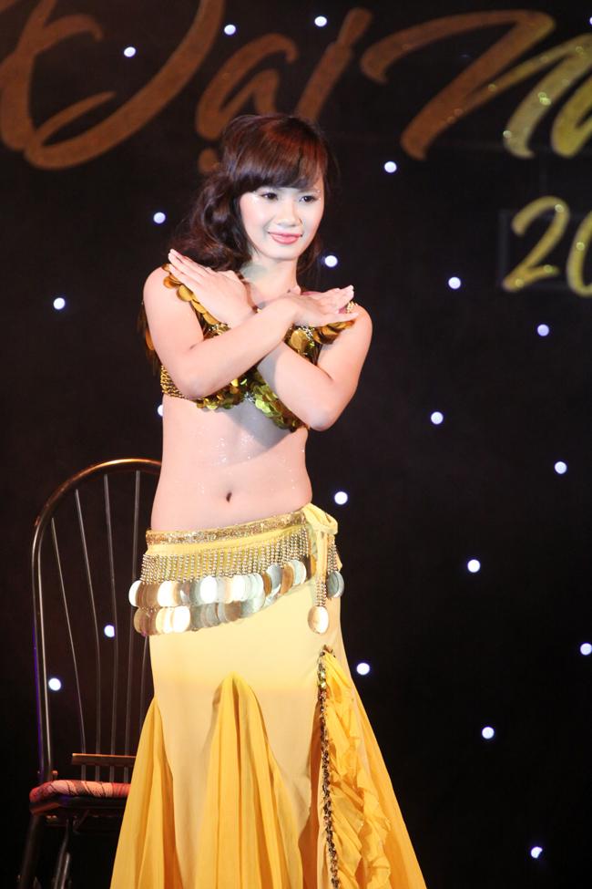 Hoa khôi Đại Nam khoe lưng ong quyến rũ   Miss Đại Nam thướt tha trong trang phục truyền thống  Miss Đại Nam 'đọ sắc' cùng Hoa hậu Ngọc Hân  Miss Đại Nam khoe sắc bên hoa Ban