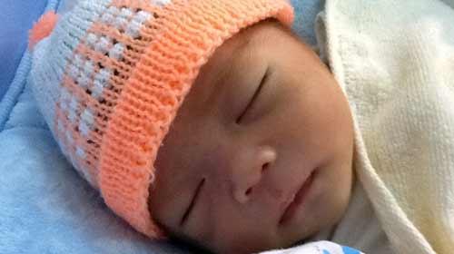 Bé sơ sinh bị bỏ rơi: Tranh cãi xác định mẹ - 1