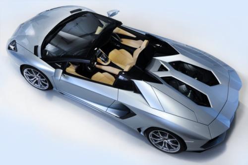Aventador LP700-4 Roadster: Vẻ đẹp hoàn hảo - 1