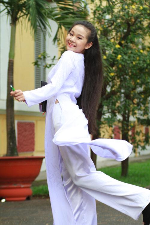 Tam Triều Dâng áo dài tinh khôi - 1