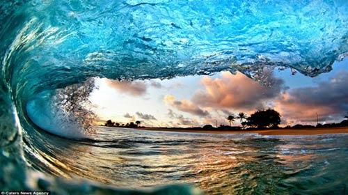 Vẻ đẹp bất ngờ của sóng biển - 1