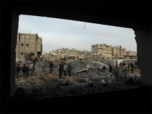Israel không kích, trụ sở Hamas tan hoang - 1
