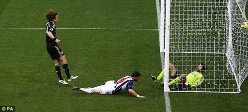 Thua trận, Di Matteo chỉ trích hàng thủ - 1