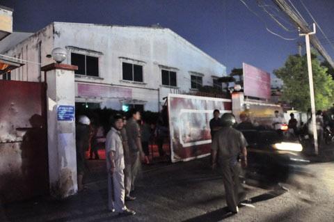TP.HCM: Cháy nhà kho, 3 người nhập viện - 1