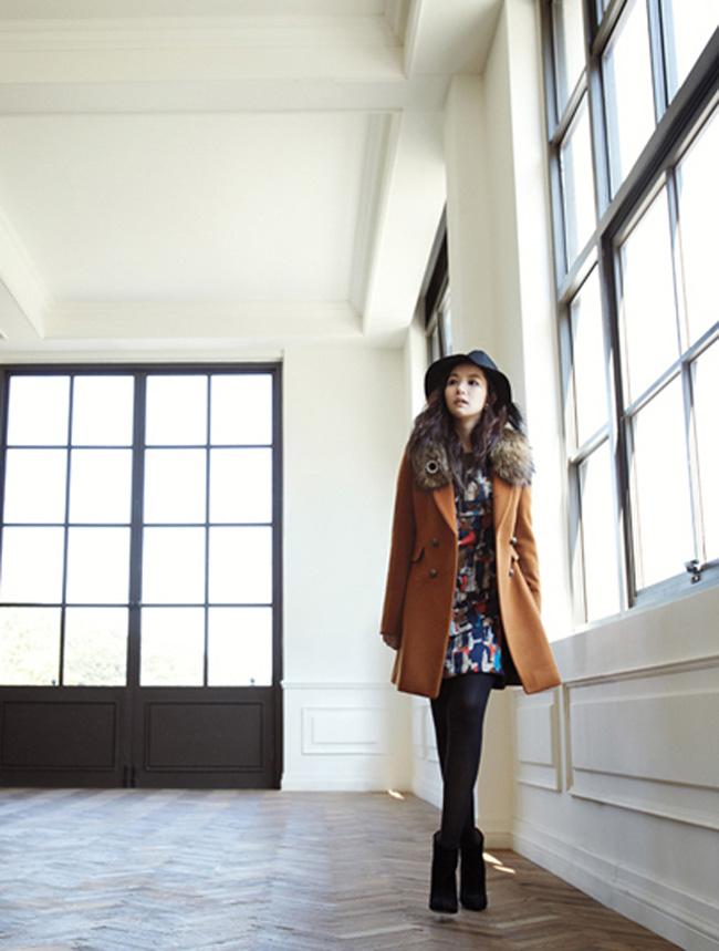 Năm 2007, cô đóng trong MV Don't say goodbye. Năm 2008, cô để lại dấu ấn khó phai trong MV Haru Haru rất nổi tiếng của nhóm Big Bang. Năm 2009, nhân vật nữ trong MV A Love Story của Gavy NJ chính là Park Min Young.