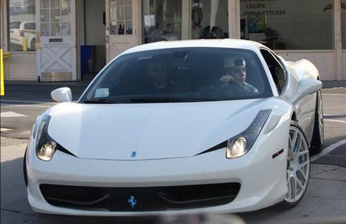 """Justin Bieber lại tậu Ferrari 458 Italia """"độc"""" - 1"""